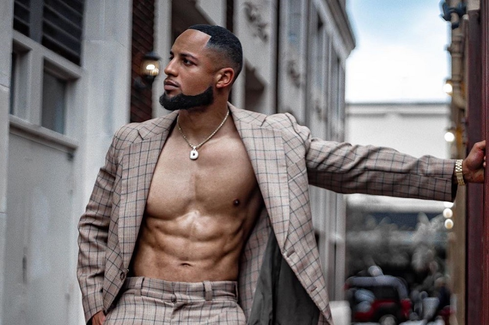 Eye Candy: Florida Bodybuilder Deshawn Z