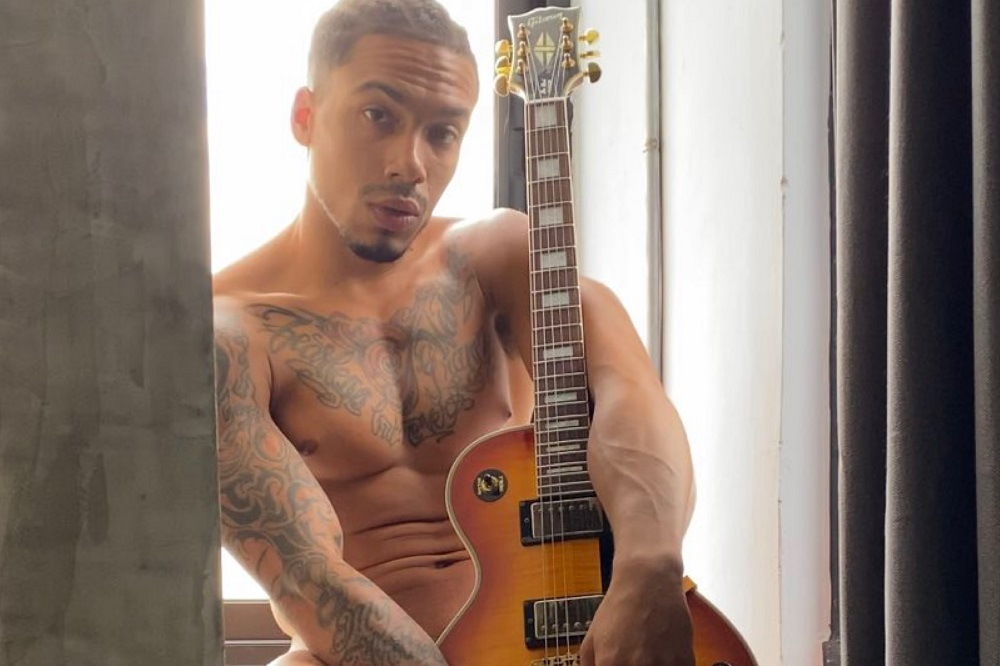 Miami Model Jeramie Hollins and His Transition to Nude Model